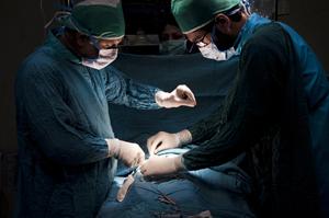 جراحي لاپاراسكوپي بيمارستان مادر و كودك غدير