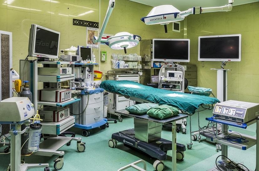 بيمارستان مادر و كودك غدير اعمال جراحي پزشكان
